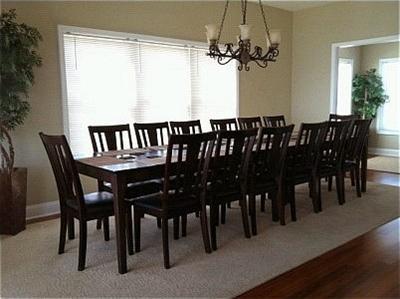 Dining seats 14